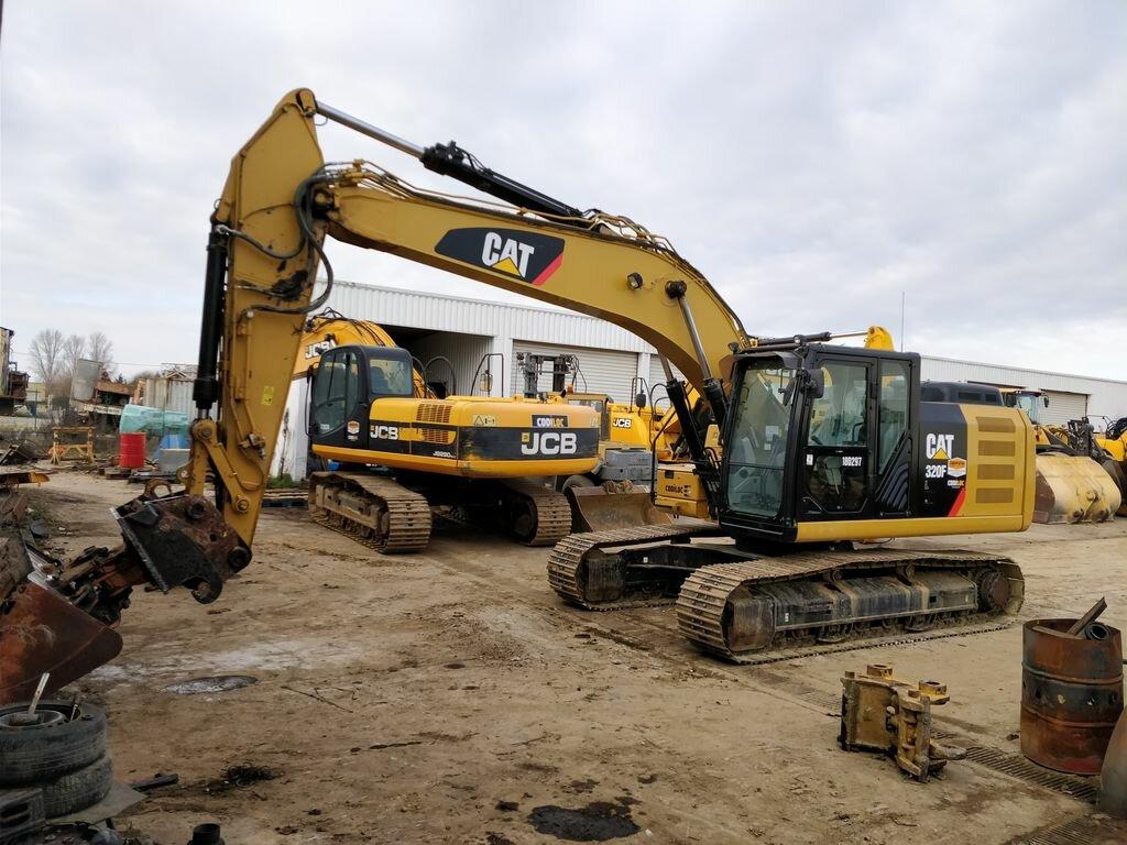 Excavadora de cadenas CATERPILLAR 320 F