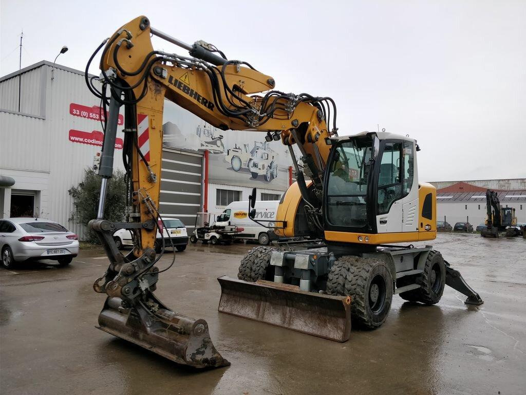 Excavadora de ruedas LIEBHERR A914 COMP